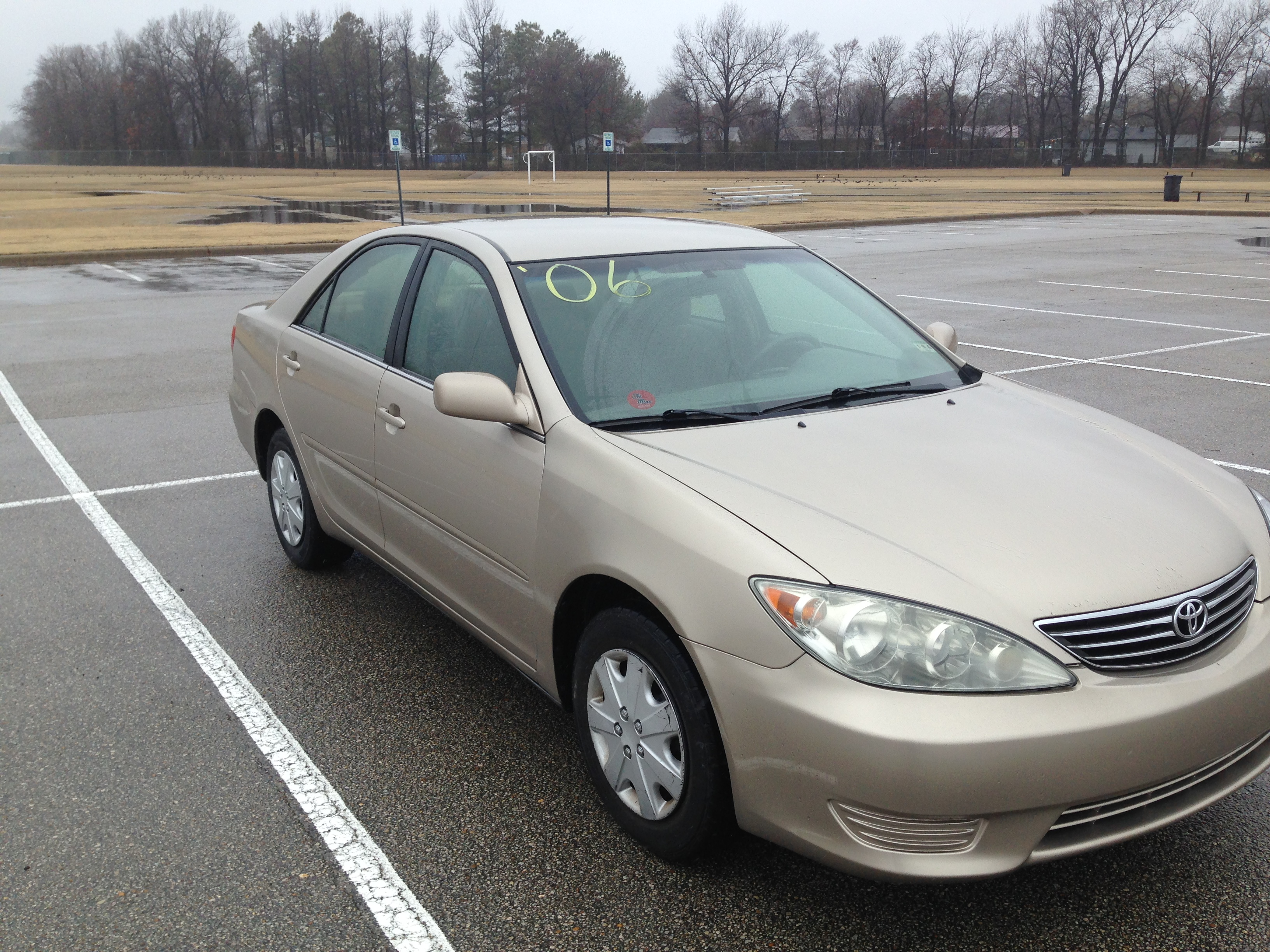 toyota camry 2006 gold gold 2006 toyota camry j l auto sales 2006 toyota camry xle gold fwd. Black Bedroom Furniture Sets. Home Design Ideas