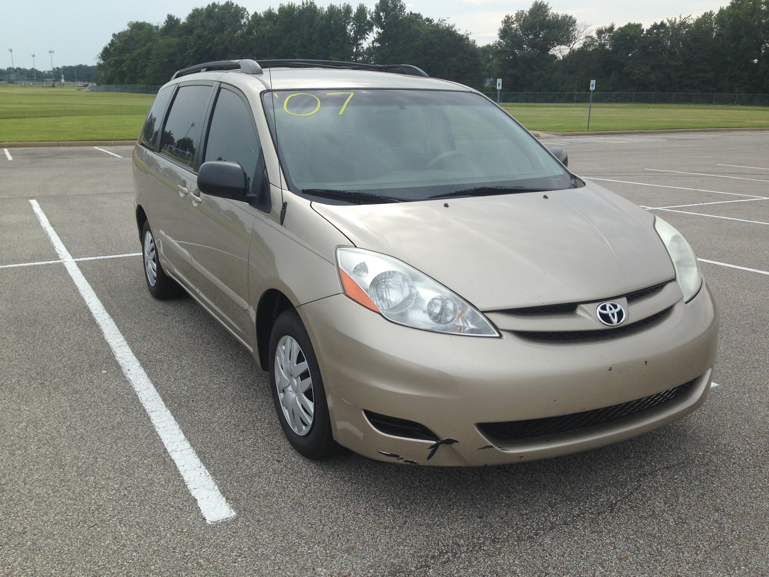 sienna vehicles auto toyota access minivan showing the lady car side seat view