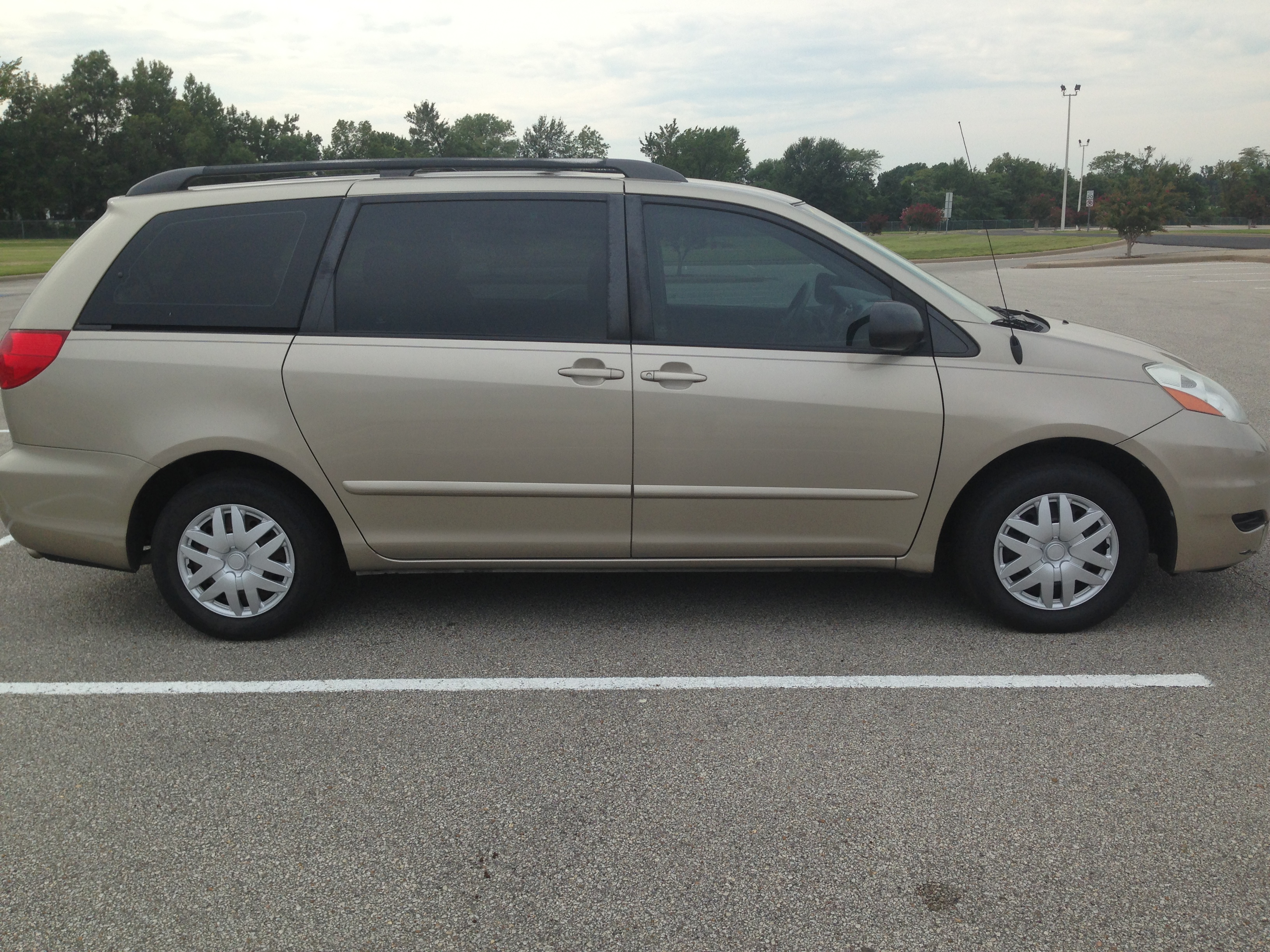 Red White And Blue Auto Sales >> Gold 2007 Toyota Sienna (SOLD) | J & L Auto Sales