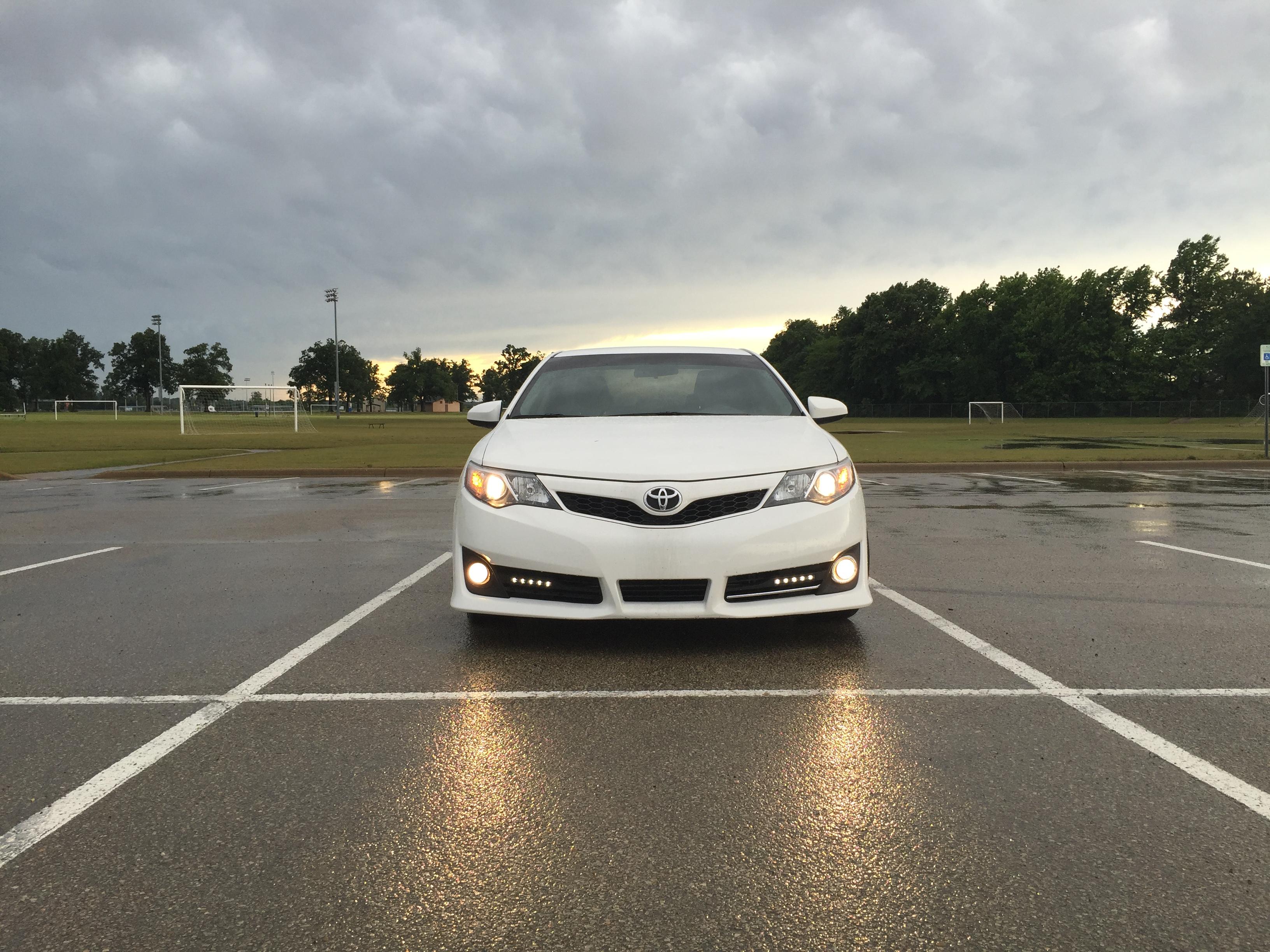 White 2014 Toyota Camry